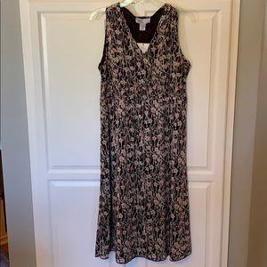 Brand New w/ tags Nine and Co. Brown floral Dress